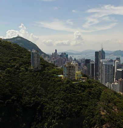 A DIFFERENT LOOK AT HONG KONG   FRANK GEHRY